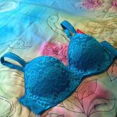 Natural Enhanced Lift 40C Lace Balconette Bra NWT Teal Lace Balconette Bra Size 40C  features open neckline, molded cups, natural enhanced lift & hidden underwire. Three adjustable back closures. NWT. Fashion Bug Intimates & Sleepwear Bras
