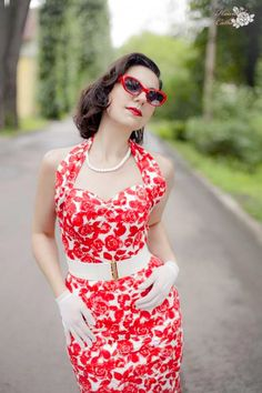 Fun and fresh! Inspiration for a Retro/Rockabilly/Pinup theme...or everyday :) Beautiful!