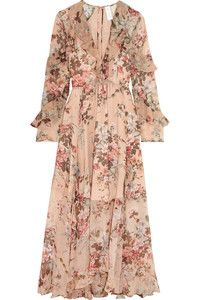 Sofia Vergara in blush floral print maxi dress in Beverly Hills on April 27 ~ I want her style - What celebrities wore and where to buy it. Couture Fashion, Boho Fashion, Fashion Dresses, Simple Long Dress, Wedding Dress Necklines, Floral Print Maxi Dress, Mode Hijab, Elegant Outfit, Vintage Dresses