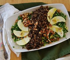 Five-Ingredient Fall Salads: Wild Rice Harvest Salad. For the vinaigrette mix olive oil apple cider vinegar deli-style spicy mustard and a few shakes of sea salt and cracked black pepper. Combine thinly sliced brussels sprouts and chopped kale and m Superfood Recipes, Diet Recipes, Cooking Recipes, Healthy Holiday Recipes, Fall Recipes, Vinaigrette, Cooking Wild Rice, Harvest Salad, Clean Eating