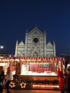 The German/ Russian market is held every year in the Piazza of Santa Croce and is full of twinkles and sparkles.