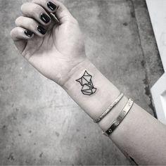 15 tatouages animaux trop mignons Tatouage Origami, Tatouage Graphique,  Dessin Tatouage, Tatouages Renard
