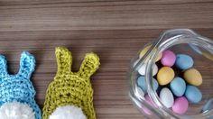 crochet bunnies - free pattern: http://linhasimaginarias.blogspot.com.br/2015/03/pascoa.html