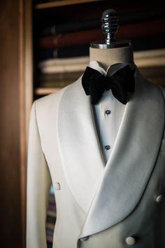SprezzaRiaz - bntailor: White shawl collar tuxedo by B&TAILOR Tuxedo Suit, Tuxedo For Men, White Tuxedo Jacket, White Tuxedo Wedding, Ivory Tuxedo, Vintage Tuxedo, Shawl Collar Tuxedo, Designer Suits For Men, Outfits