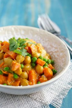 Creamy and comforting sweet potato curry recipe - an easy and healthy dinner!