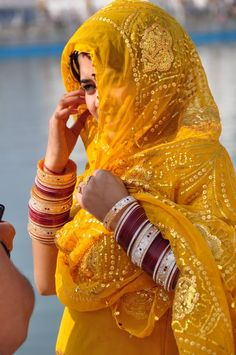 Golden Girl , India. I totally love this colour and the girl and the country she lives in :)
