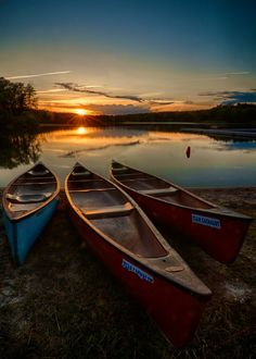Lake Sunrise Canoes at Rest - Foter