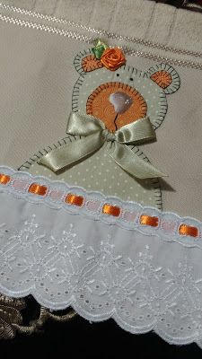 LOY HANDCRAFTS, TOWELS EMBROYDERED WITH SATIN RIBBON ROSES: URSA