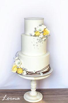 Wedding cake.. by Lorna - http://cakesdecor.com/cakes/254696-wedding-cake