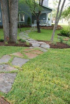 99+ simple and eye catching flagstone backyard walkway ideas (54)