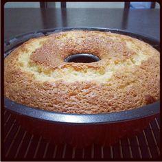 Portakallı kek #orange #cake #kek #portakallikek www.yemekevi.tv www.facebook.com/YemekeviTV www.twitter.com/yemekevitv www.instagram.com/fatosunyemekevi