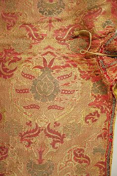 1560-1580 cape, Spanish, made of silk and metal thread, The Metropolitan Museum of Art (fabric, decorative details in color)