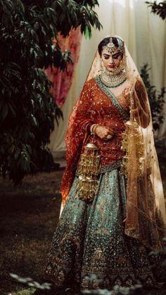 Indian Bridal Outfits, Indian Bridal Fashion, Indian Bridal Wear, Pakistani Bridal Dresses, Asian Bridal, Indian Wear, Shadi Dresses, Indian Gowns, Pink Bridal Lehenga