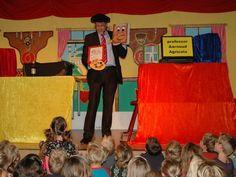 Basisschool goochelaar Aarnoud Agricola tijdens schoolvoorstelling op de Rubenshof  in Oosterhout