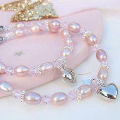 https://www.kayasieraden.nl/nl/mom-me-armbanden-pink-princess-met-hartje.html