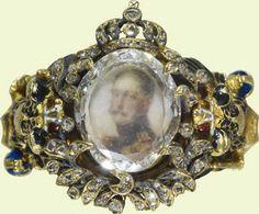 Magnificent ring with portrait under flat cut diamond of Emperor Nicholas I of Russia. Circa 1833