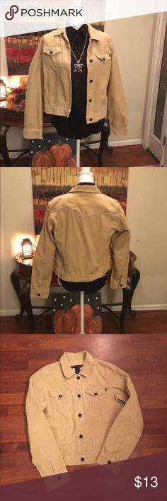 Abercrombie & Fitch corduroy jacket Abercrombie & Finch corduroy jacket!  In great new shape.  Size med. so cute for winter and fall!!! You will love it. No holes stains or tears. Thanks for looking💋 Abercrombie & Fitch Jackets & Coats Jean Jackets