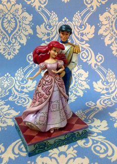 """Ariel e principe. Figurine della linea """"Royal Romances"""" collezione di Jim Shore ( in resina)"""