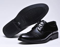 Nice-looking leather Oxfords.