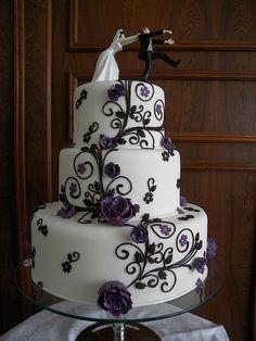 Beautiful cake by A de Açúcar Bolos Artísticos. #cake #wedding