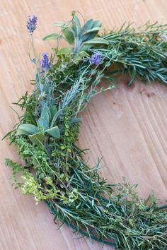 How to Make a Gorgeous Fresh Herb Wreath Step (6)