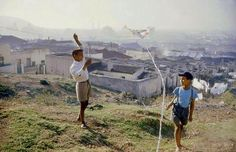 Photographic Print: Young Boys Flying Kites in Durban, Africa 1960 by Grey Villet : Dublin, Cities In Africa, Rome, Le Cap, Victoria Falls, My Land, Most Beautiful Cities, Cape Town, Town Town