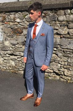 Grad & Debs Season 2017: It's not just picking a Suit, it's building an outfit.The finishing touches make all the difference. This little Check number that retails at €229 is finished with a burnt orange knitted tie & tie bar to complement the button detail on the waistcoat and jacket. The slip on tasseled leather shoes with the skinny trouser seal the deal. Big shout to Luke Tansey who made his modelling debut this afternoon