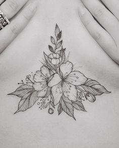 Das Unter Brust Tattoo