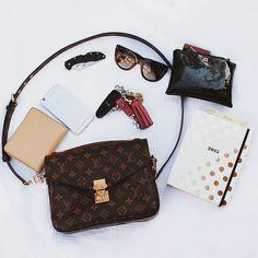 ba8b51a4b3a65 2016 New LV Collection Louis Vuitton Handbags Outlet Hot Sale Artsy