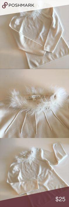 ✨MaxStudio✨Fitted Cream Sweater Fur Collar (XL) ✨Excellent Condition✨ Max Studio Sweaters Crew & Scoop Necks