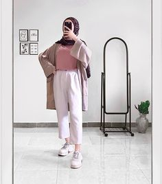 Modest Fashion Hijab, Modern Hijab Fashion, Casual Hijab Outfit, Hijab Fashion Inspiration, Fashion Outfits, Hijab Dress, Muslim Women Fashion, Korean Girl Fashion, Arab Fashion