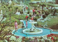 Miniature golf was across the street from Disneyland, next to hotel. Played there once -- quite thematic.