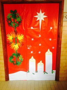 Puerta decorada navidad vela manualidades christmas for Puertas navidenas decoradas 2014