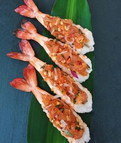 Healthy Diet Recipes, Cooking Recipes, Sushi Roll Recipes, Salmon Dishes, Food Goals, Aesthetic Food, Food Presentation, Japanese Food, Seafood Recipes