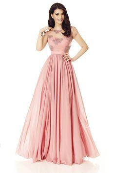 Rochie Erin Roz Pudra - Delicatetea unei rochii de seara lungi in tonuri pastel are un farmec deosebit asupra imaginii tale, mai ales atunci cand te pregatesti pentru un eveniment special din viata ta. Cu bustul confectionat din dantela brodata manual cu paiete, si cu fusta din voal fin, rochia lunga roz pudra impresioneaza atat prin croiala in stil A-line