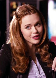 Back to me, please [Teen Wolf] Lydia Martin Quotes, Lydia Martin Style, Allison Argent, Scott Mccall, Hairstyles For School, Curled Hairstyles, Lydia Martin Hairstyles, Cute Updo, Teen Wolf Mtv