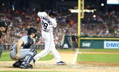 J.D. Martinez singles to left field, 08/16/2014
