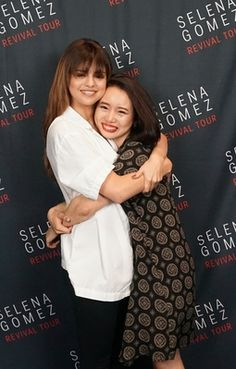 selena gomez meet and greet 2016 Selena Gomez With Fans, Selena Gomez Daily, Selena Gomez Fotos, Ariana Grande Hair, I Am A Queen, Marie Gomez, Hair Looks, Good People, My Girl