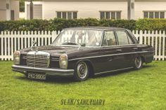 Mercedes W114 on airbags Players Classic 2014 | Slam Sanctuary