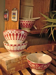 French cafe au lait red and white bowls