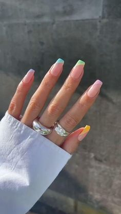 Colored Acrylic Nails, Acrylic Nails Coffin Short, Simple Acrylic Nails, Square Acrylic Nails, Best Acrylic Nails, Square Nails, Colorful Nails, Acrylic Nail Designs For Summer, Colored Nail Tips