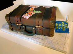 Vintage Suitcase cake    http://vintagerio.com/