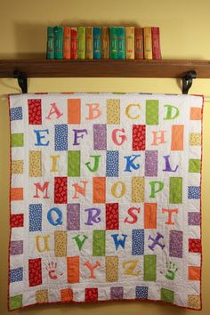 Crayon Box Alphabet Quilt Pattern di SarahBellumQuilts su Etsy