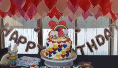 אחת העוגות היפות של תקופתנו בגרסה היותר בוגרת. שכבות צבעוניות ושמחות עם הרבה אהבה. כייף לקבל כזאת עוגה. כדי להכין אותה צריך זמן. סבלנות וכמות חומרים....אבל היא גם קלה להכנה איזה עוגה מהממת וכמובן טעימה. כייף לקשט ולהכין. @yeschefcoil #