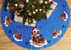 "Bucilla Santa And His Sleigh ~ 43"" Felt Christmas Tree Skirt Kit #86362 Teddy 