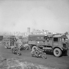AEC Matador Lorry/ The Matador was a British artillery tractor. Approximately were built. Ww2 Pictures, Ww2 Photos, British Armed Forces, British Motorcycles, War Dogs, Ww2 Tanks, Military Equipment, American War, D Day