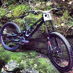 What do tou think about new @troybrosnan ' s demo ? Hot or not? Coment below and tag your friends 👇🚲💨🔥 #downhilladiction