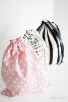 Learn to Sew a Drawstring Bag #beginnersewingprojects #beginnersewing #drawstringbag #learntosew