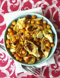 Roasted Artichokes Chickpeas & Garlic Salad with Lemon & Sesame. Other beans like Red Kidney beans, Great Northern, Cannellini or even Lima beans are good substitutes.