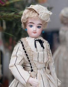 "13 1/2"" (34 cm) Early All Original French Bisque Poupee  Fashion Doll with Parasol and Gesland label, c.1870"